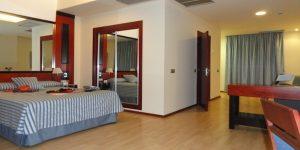Una de las habitaciones accesibles del Olympia Hotel, Events & Spa